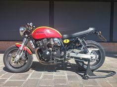 "Racing Cafè: Suzuki GSX 750 Inazuma 1999 ""Barry Sheene Tribute"" by Paolo D'Onofri"