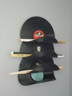 Vinyl record drum stick holder, Magazine rack by PercussiveArtandmore on Etsy Drums Studio, Home Studio Music, Vinyl Record Shelf, Vinyl Records, Drums Artwork, Music Furniture, Record Crafts, Drum Room, Ideas Para Organizar