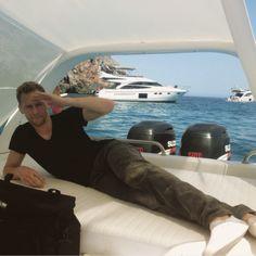 <3 Hi, Mr.Hiddleston <3