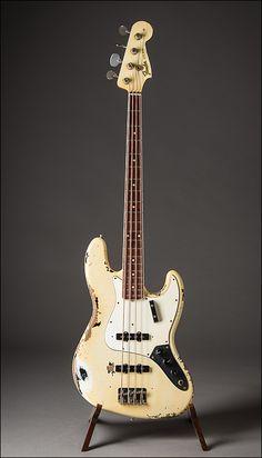Lauzon Music | Fender 1966 Heavy Relic Reissue Jazz Bass John Cruz Masterbuilt