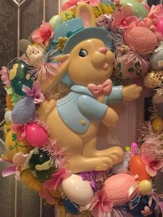 FREE SHIPPING Vintage Easter/Easter Kitsch Wreath