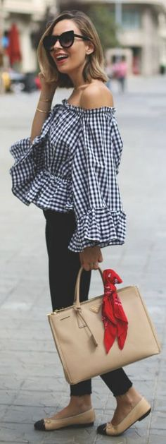 Off the shoulder cut + accentuate your shape + cute + statement print top + gingham blouse + Priscila Betancort + cute and summery look Top: Chicwish, Jeans: Zara, Shoes: Chanel, Bag: Prada.