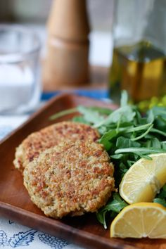 20 Minute Meal: Salmon-Quinoa Cakes | Aggie's Kitchen