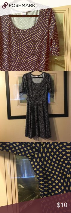 LulaRoe Nicole Perfect condition - soft , stretchy material . Worn once . Great for any season ! LuLaRoe Dresses Midi