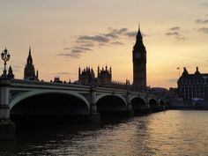 Puesta de sol sobre el puente de Westminster y el Big Ben (Ciudades europeas: Londres)