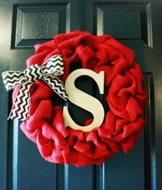 Spring Wreath Red Burlap Wreath with Chevron Burlap Bow and Monogram Letter via Etsy Chevron Bow, Chevron Burlap, Burlap Bows, Yellow Chevron, Diy Wreath, Burlap Wreath, Burlap Wall Hangings, Diy And Crafts, Arts And Crafts