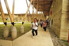 Escola em bambu na Colômbia #bambu #sustentabilidade #arquitetura