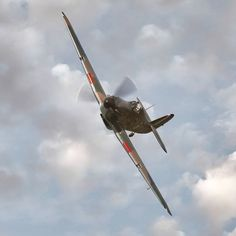 Hawker Hurricane Soaring through the clouds at Shuttleworth Airshow 2018 Sony Sony Tele Converter Fighter Aircraft, Fighter Jets, Hawker Hurricane, Ww2 History, Aircraft Photos, Supermarine Spitfire, Ww2 Planes, Battle Of Britain, Royal Air Force