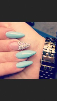 blue nails with rinestones