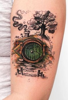 """""""In a hole in the ground lived a hobbit ."""" For lovers of the Hobbit and The Lord . - """"In a hole in the ground lived a hobbit …"""" For lovers of the Hobbit and The Lord of the Rings, th - Tolkien Tattoo, Tatouage Tolkien, Hobbit Tattoo, Lotr Tattoo, Tattoo Diy, Fake Tattoo, Bild Tattoos, Body Art Tattoos, Tatoos"""