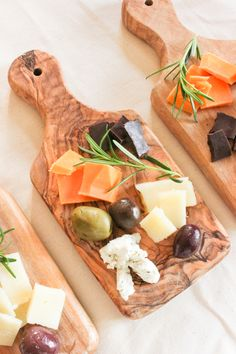 A Fabulous Fete: a simple cheese plate // summer entertaining