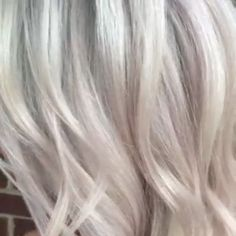 Blonde Hair Color Ideas Discover How to Get Your Hair White Blonde Use Brilliant Blonde To Lift and Pearl Blonde Toner To Tone Toning Blonde Hair, Ice Blonde Hair, Silver Blonde Hair, Shades Of Blonde Hair, White Hair Toner, Toner For Blonde Hair, White Hair With Lowlights, Balayage Bob Blonde, Silver Hair Toner
