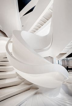 Round Stairs Design Stairways 25 New Ideas White Staircase, Curved Staircase, Modern Staircase, Staircase Design, Staircase Ideas, Spiral Staircases, Architecture Design, Stairs Architecture, Amazing Architecture