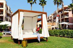 Family Life Alcudia Pins SSSS - Mallorca, Spania - Star Tour - TUI Norge Star Tours, Outdoor Furniture, Outdoor Decor, Family Life, Home Decor, Pictures, Interior Design, Home Interior Design, Yard Furniture