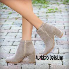 Arneta Süet Vizon Kısa Topuklu Bot Arneta Short Heeled Mink Boots to Short Heels, Short Boots, Divas, Looks Cool, Fashion Boots, Girls Shoes, Footwear, Booty, Shoe Bag