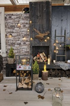 Breng de kerst naar buiten en versier ook je terras #kerst #kerstversiering #kerstverlichting @intratuin Winter Christmas, Xmas, Advent, Touch Of Gold, Interior And Exterior, Christmas Decorations, Lounge, Patio, Porches