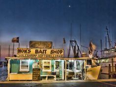Mom's Bait Shop - Texas Gulf Coast (Rockport / Cedar Bayou area)This is where Chip aand I buy our bait.