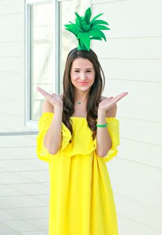 Super simple $3 pineapple Halloween costume idea   Easy DIY Halloween costume   DIY Pineapple Topper   DIY Pineapple Costume by fashion blogger Stephanie Ziajka from Diary of a Debutante Pineapple Halloween Costume Ideas, Pineapple Costume Diy, Halloween Costumes For Teens Girls, Cheap Halloween Costumes, Pirate Costumes, Vampire Costumes, Zombie Costumes, Grease Costumes, Teen Costumes