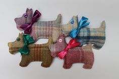 These cute hand sewn tweed French lavender filled Scottie Dogs will help to give your wardrobe and cupboards a clean and fresh aroma. Always a best seller at the craft fairs I attend, they would make a lovely Christmas Stocking stuffer or teacher gift.  Dried lavender has been used in wardrobes for centuries to help prevent unwanted moths and is also known to be a soothing and relaxing smell. Choose from 4 gorgeous colours of lovely soft tweed, each tied with a beautiful matching ribbon and…