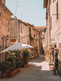 Moving To Italy, Living In Italy, Italian Summer, Beautiful Places To Travel, Northern Italy, Laura Lee, Travel Aesthetic, Dream Vacations, Vacation Travel