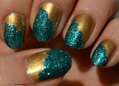 Diagonal French manicure via @beautybymissl