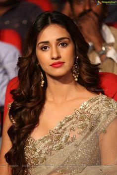 disha patani bollywood | Bollywood Actress Disha Patani Photo Gallery - Glamorous Celebrities