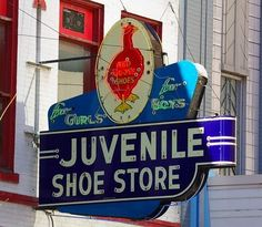 fort worth vintage sign for Red Goose Shoe Store. My mom got her shoes there as a kid and then she took my brother and I when we were kids. I loved getting a golden egg when we bought a new pair of shoes there. Retro Advertising, Advertising Signs, Vintage Neon Signs, Vintage Ads, New Sign, Sign I, My Moms Best Friend, Neon Nights, Old Fort