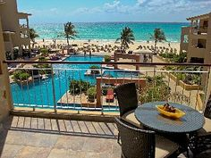20% Off Apr-Nov Penthouse 2 Storey 3 BDRM Exceptional View - looks pretty nice - right in Playa