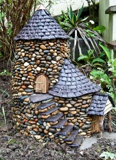 Ideas for diy garden stones fairy houses Fairy Houses Kids, Fairy Garden Furniture, Fairy Garden Houses, Fairy House Crafts, Fairy Gardening, Forest Garden, Vegetable Gardening, Container Gardening, Organic Gardening