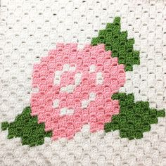 This item is made of pdf crochet blanket pattern 1 page, pdf crochet blanket pattern 4 pages, pdf written instruction and is available in primary color : green, secondary color : pink, occasion : baby shower. Graph Crochet, Pixel Crochet, C2c Crochet, Crochet Cushions, Crochet Blanket Patterns, Baby Blanket Crochet, Crochet Crafts, Crochet Hooks, Crochet Projects