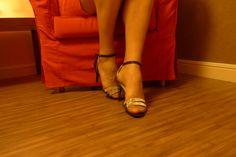 http://lebonheurestdanslepied.blogspot.fr/  Pour votre plus grand plaisir The red Chair is Back