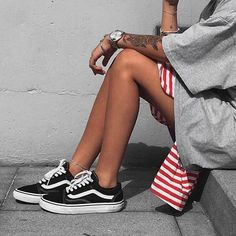 Sneakers femme - Vans Old Skool (©blvckd0pe)
