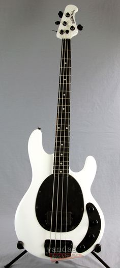 Music Man Stingray 4 Bass Guitar | Stealth Pearl Finish