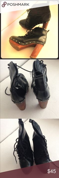 Zara Trafulac black lace up boots Zara Trafulac black lace up boots- heels/soles are worn but the inside looks like new. Lots of wear left with these classic boots. Zara Shoes Lace Up Boots