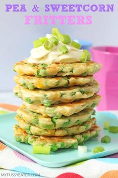 With just a few store cupboard essentials you can make these really tasty Pea & Sweetcorn Fritters. Great for kids, toddlers and weaning babies too! With just a few store cupboard essentials you can make these really tasty Pea & Sweetcorn Fritters. Healthy Meals For Kids, Kids Meals, Healthy Snacks, Healthy Recipes, Healthy Finger Foods, Healthy Appetizers, Baby Food Recipes, Gourmet Recipes, Cooking Recipes