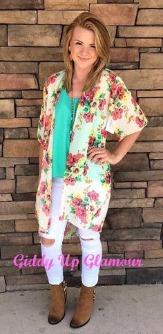 Super cute lightweight sheer kimono in spring floral mix! Model is wearing a size small. Floral Kimono, Kimono Top, Giddy Up Glamour, Cute Boutiques, Beautiful Hands, New Product, Trendy Outfits, My Style, Model