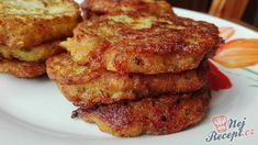 Cuketové placičky se sýrem | NejRecept.cz Hcg Recipes, Potato Recipes, Snack Recipes, Cooking Recipes, Snacks, Czech Recipes, Ethnic Recipes, Zucchini Puffer, Zucchini Pizzas