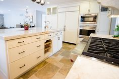 Kitchen #interior #kitchen #cabinetry #tile #customhomes #rockwellcustom