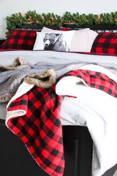 Cozy and Warm Christmas Bedroom. This Christmas Bedroom is a warm and cozy retreat! Lots of inspiring ideas! Bedroom Retreat, Cozy Bedroom, Home Decor Bedroom, Diy Home Decor, Bedroom Ideas, Plaid Bedroom, Lodge Bedroom, Bedroom Photos, Bedroom Inspiration