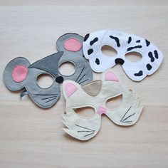 The cat, the mouse and the dog. They are supposed to be arch enemies. But are they? This particular set of animal masks are fun for siblings to have in their dress up box or for an animal based birthday party.⠀ ⠀ -⠀ -⠀ -⠀ -⠀ -⠀ #bhbkidstyle #dressupadventures #dressupplay, #creativetoys #waldorftoys #differencemakesus #bookweek #halloweenstyle #kidstyle #magicofchildhood #makersgonnamake #animalmask #dressuptime #dressupbox #kidsmood #learnngthroughplay #photoprops #dressup #catmask #dog...