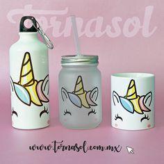Basta de recipientes convencionales ¡toma tu bebida favorita con magia! Nuestro diseño de unicornio es perfecto para ti, te permiten contener esencia de unicornio
