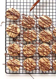 Chocolate Almond Espresso Shortbread Cookies | thekitchenpaper.com
