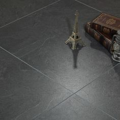 12mm Strengthen the composite personality Antique wear-resistant old cement gray Marble pattern parquet commercial clubs Wooden floor