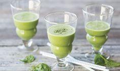 Grüner Smoothie mit Spinat und Hagebutte - Rezepte - Schweizer Milch Smoothie Vert, Pudding, Vegan, Ethnic Recipes, Desserts, Edible Plants, Mixer, Apple, Recipe