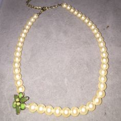 Vintage Costume Pearl Necklace. FINAL REDUCTION Vintage.. Adjustable. Really Unique. Jewelry Necklaces