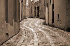 Cobblestone Street  Erice, Sicily, Italy  Source: http://www.flickriver.com/places/Italy/Sicily/Erice/search/