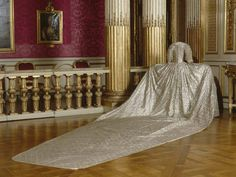 The train (back) of the the coronation gown of Queen Sofia Magdelena of Sweden. As mentioned in previous pin, it was made in Paris of silver cloth, and consists, like all French court gowns, in three separate pieces: bodice, skirt and train.