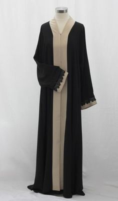 Gorgeous open-front abaya with snap buttons. Adorned with a linen blend fabric and black lace making it a stunning combination. Matching shayla/stole with a linen and lace border included. Abaya Fashion, Muslim Fashion, Islamic Fashion, Fashion Outfits, Modest Wear, Modest Dresses, Modest Outfits, Abaya Dubai, Saudi Abaya