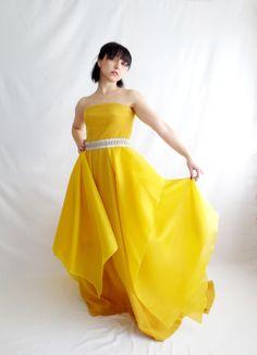Yellow wedding dress by AliceCloset #yellow #weddingdress  www.alicecloset.etsy.com