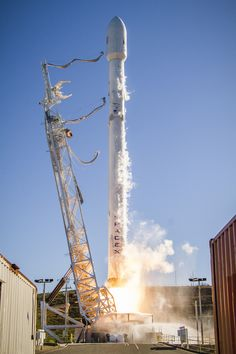Photos: Falcon 9 returns to flight with weekend launch from California – Spaceflight Now